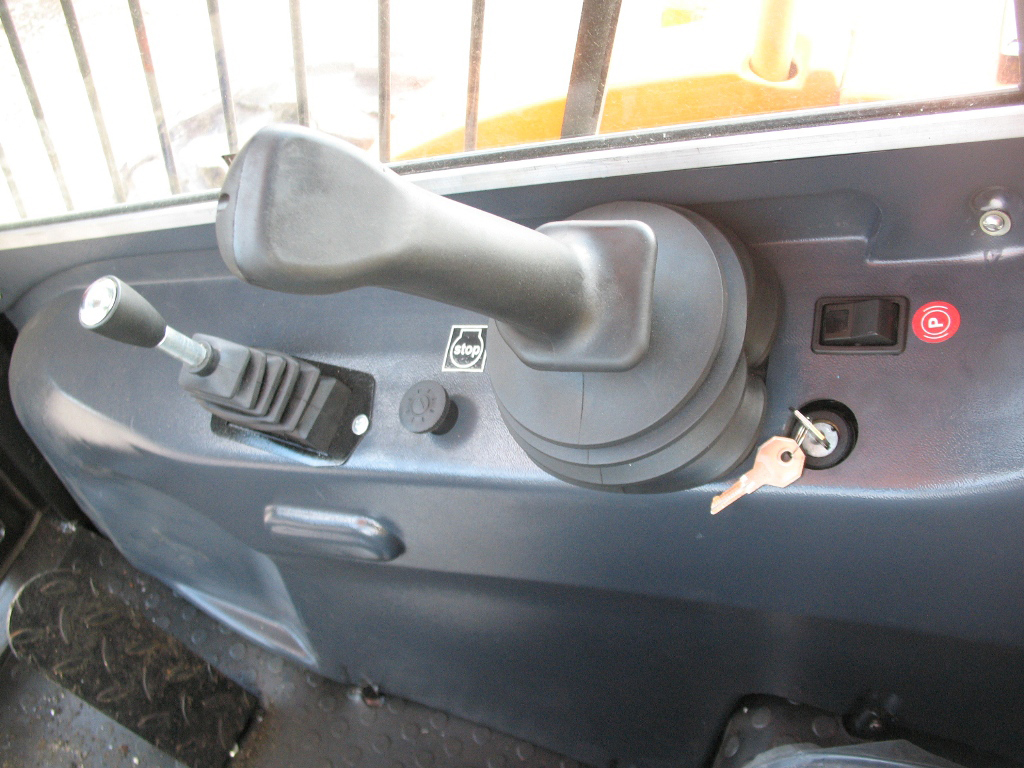 Устройство кабины Амкодор 211