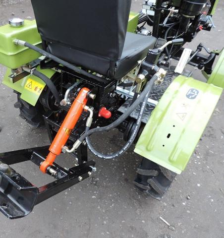 Гидравлическое устройство для прицепного оборудования