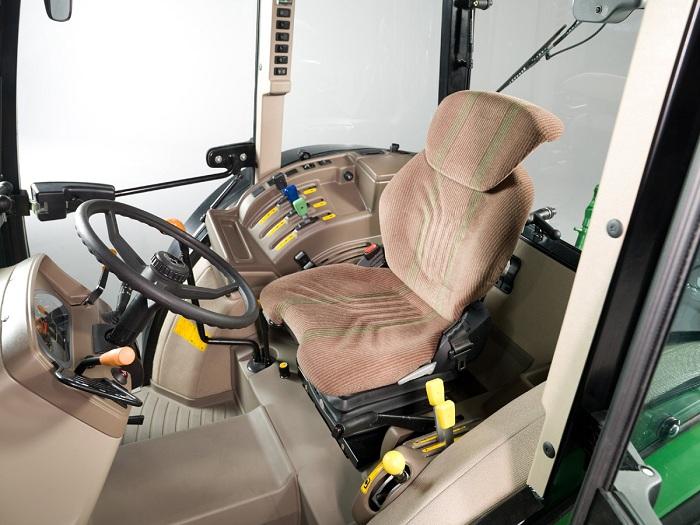 Кабина трактора John Deere 8430