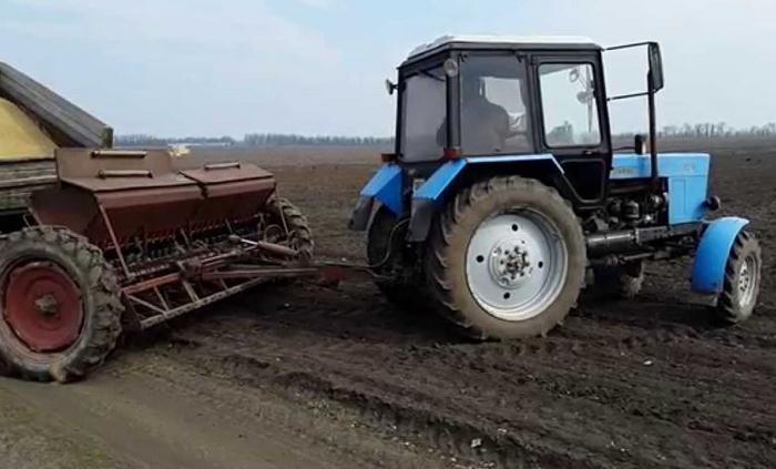 МТЗ 80 в сельском хозяйстве