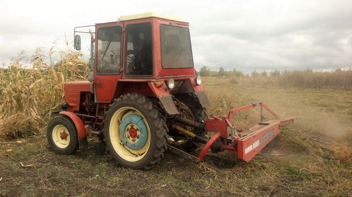 Трактор т 25 в работе