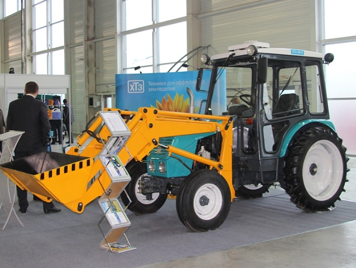 ХТЗ 3512 с навесным оборудованием
