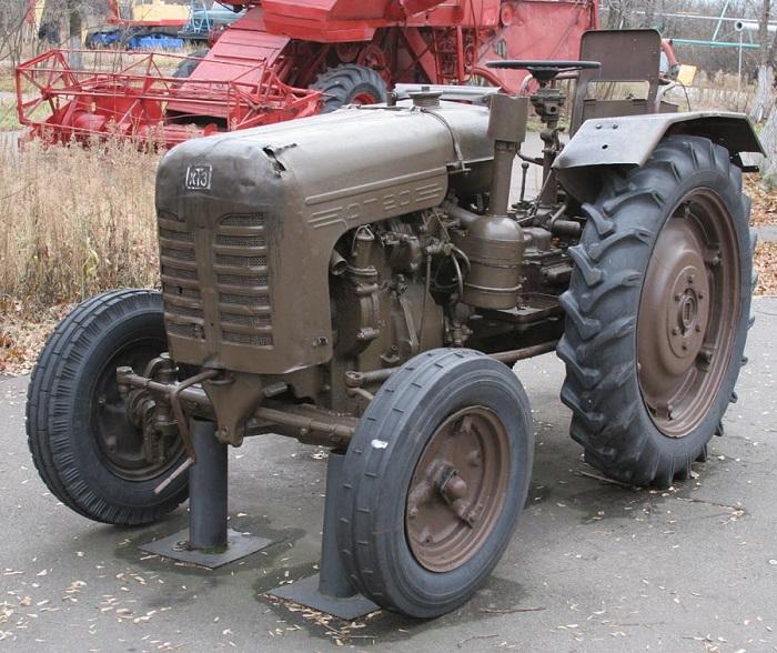 Трактор ДТ 20