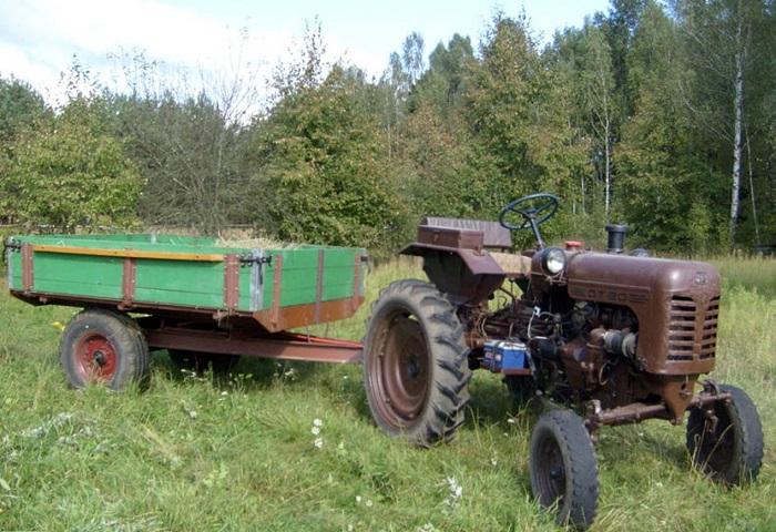 Трактор ДТ 20 с прицепом