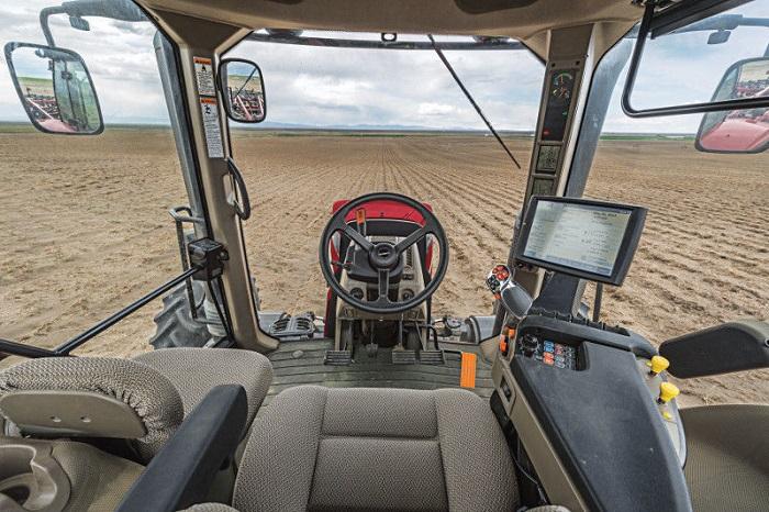 Кабина трактора Кейс Магнум 340