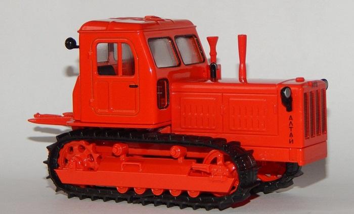 Модель трактора Т 4