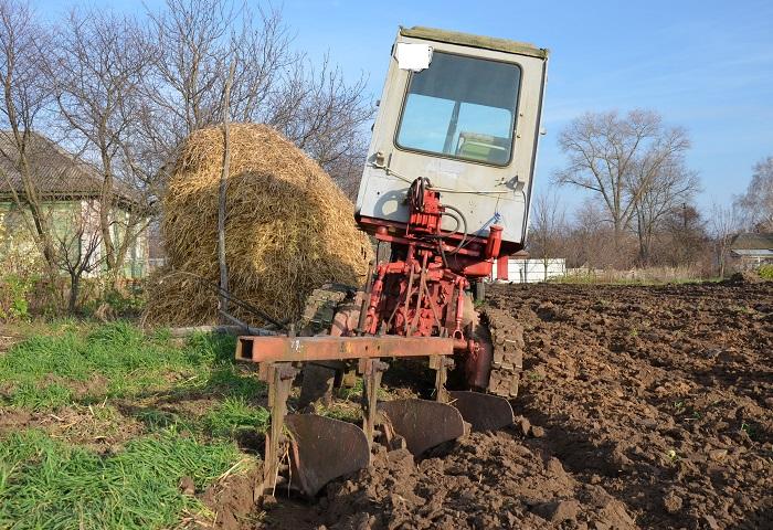 Трактор Т 70 в работе