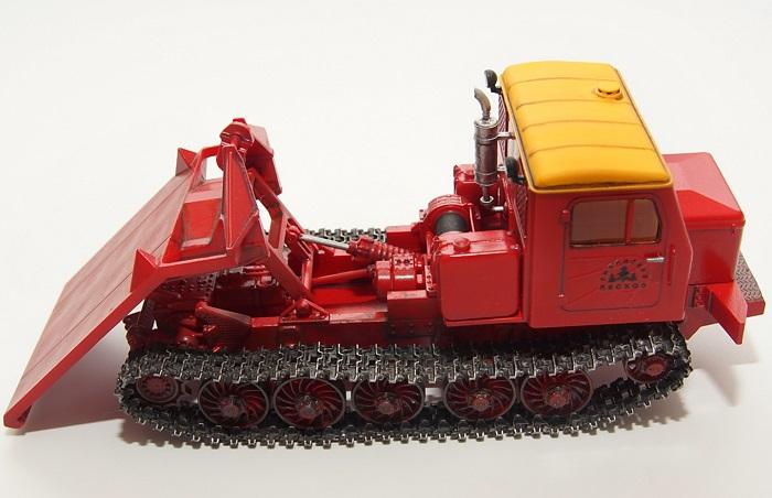 Модель трактора ТТ 4