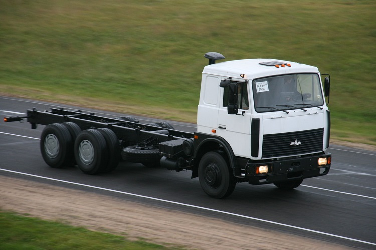 Грузовик МАЗ 6303