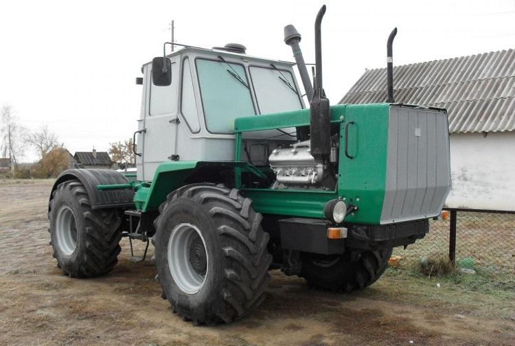 Трактор модели Т-150