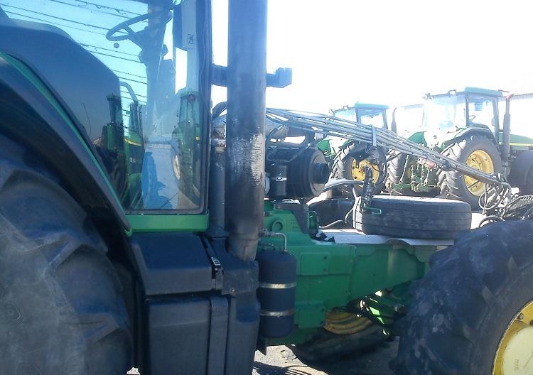 Начало разборки трактора