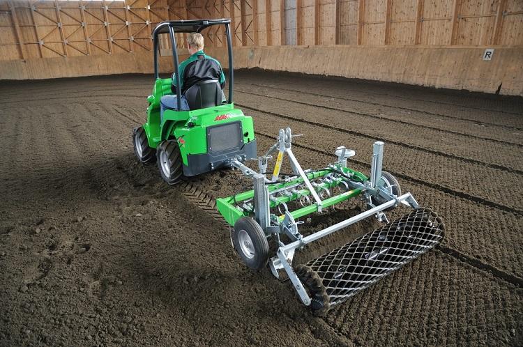 Навесное оборудование трактора