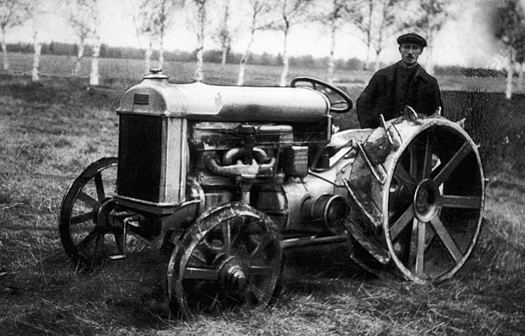 Модель трактора Фордзон-Путиловец